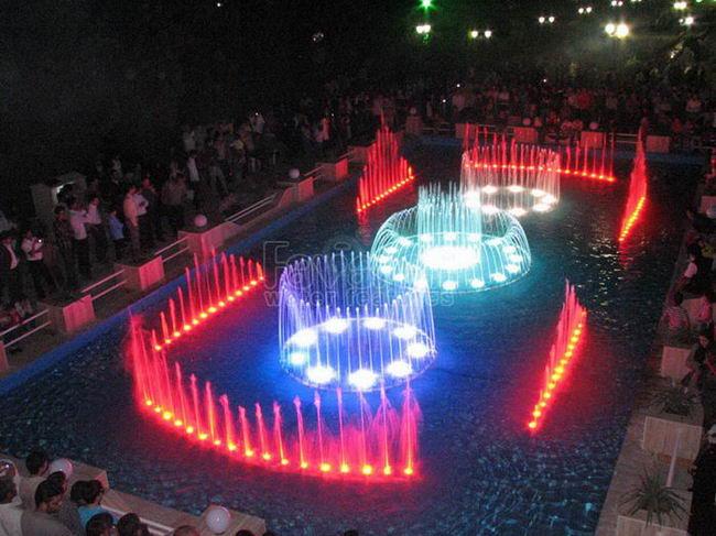 افتتاح بزرگترین آب نمای موزیکال کشور در آینده نزدیک در کرمان