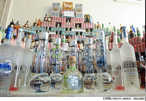 مبارزه علنی با مشروبات الکلی از سوی نیروی انتظامی