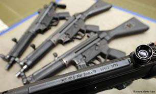 کشف انواع سلاح های پیشرفته ونیمه سنگین از مقر یک گروهک در کرمان