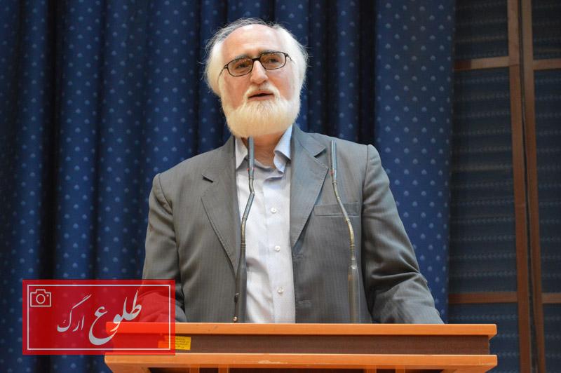 برگزاری محفل شعر و ادب با حضورجواد محقق در بم
