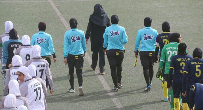 شهرداری بم ۳ شهرداری سیرجان صفر / پیروزی صدرنشین در ال کرمانیکو