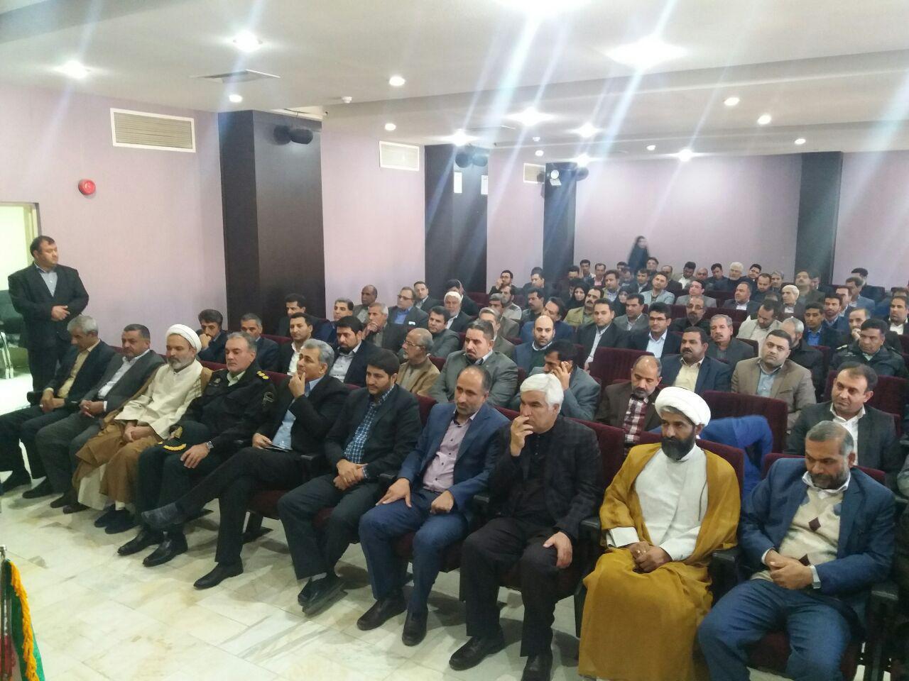 مراسم تکریم رضا اشک و معارفه هادی شهسوارپور فرماندار جدید بم برگزار شد