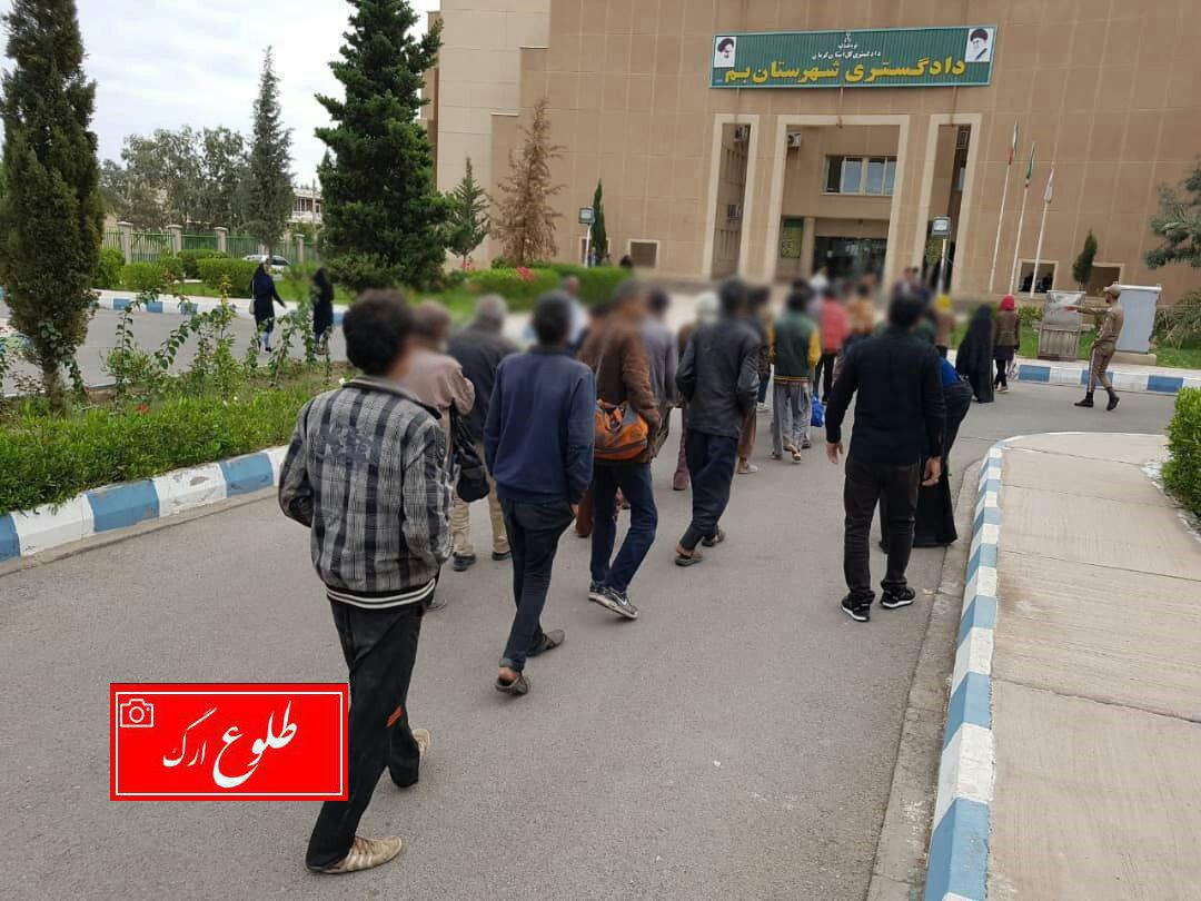 مجازات حبس در انتظار افرادی که اطفال را جهت تکدی گری می گمارند / ۳۰ متکدی در بم بازداشت شدند