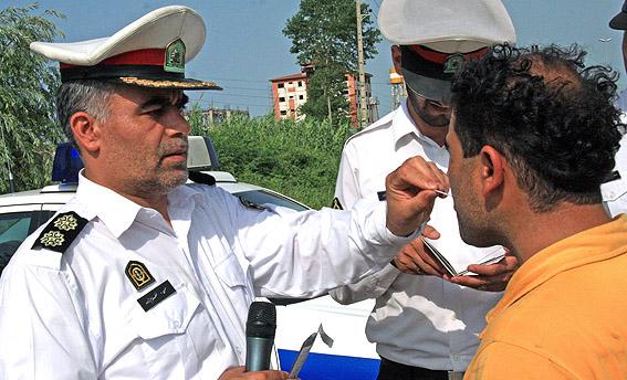 تست الکل به صورت رندوم در جادههای استان کرمان گرفته میشود