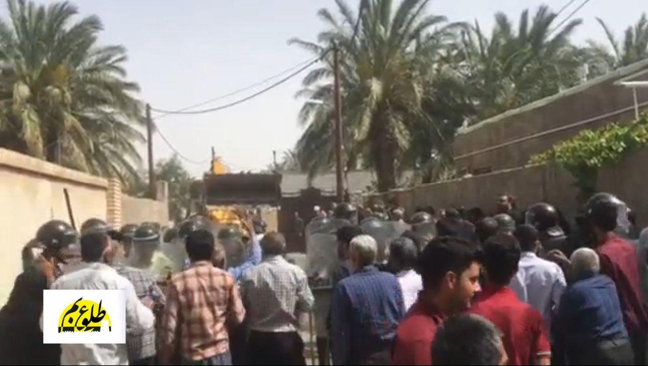 تجمع اعتراضی اهالی یک روستا در بم