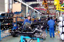 چرخ صنعت خودرو در بم کند میچرخد/ بخش خصوصی در تنگنای اقتصادی