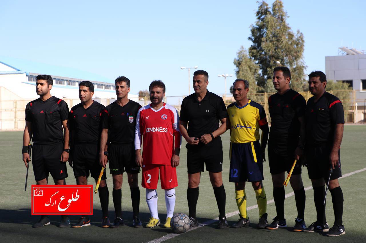 مسابقه فوتبال پیشکسوتان بم با ستارگان ورزشوهنر ایران در ورزشگاه فجر بم