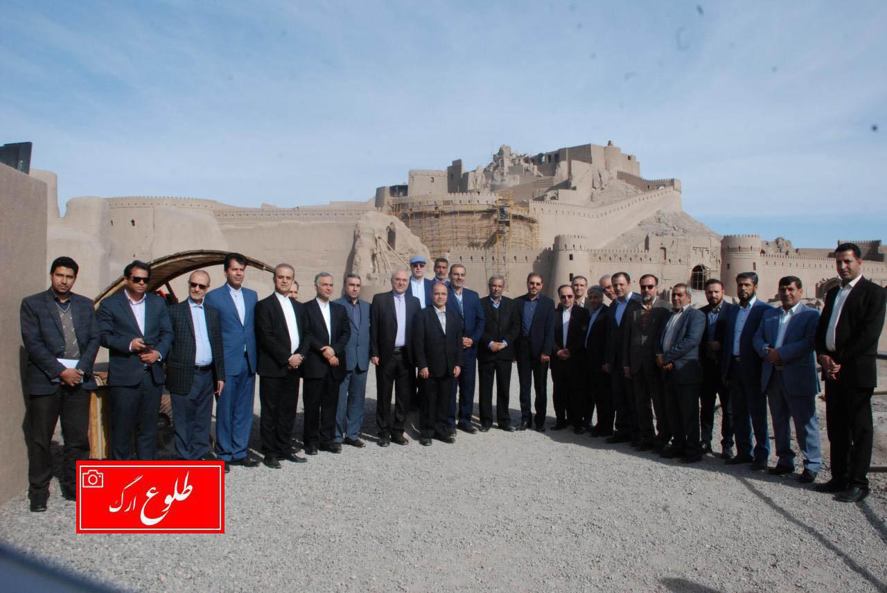 ۱۵ سفیر ایران در کشورهای خارجی از شهر تاریخی بم دیدن کردند
