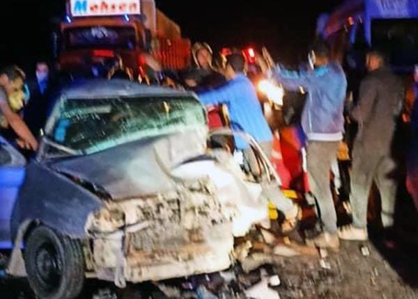 """تصادف زنجیره ای در محور """"دهبکری به کرمان""""، ۱۳ مصدوم بر جای گذاشت"""