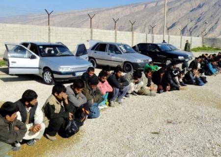 ۱۵ خودرو حامل اتباع خارجی غیرمجاز در کرمان متوقف شد